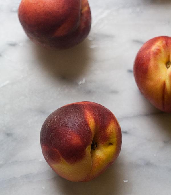 Peach Swirl Buttermilk Ice Cream // www.acozykitchen.com