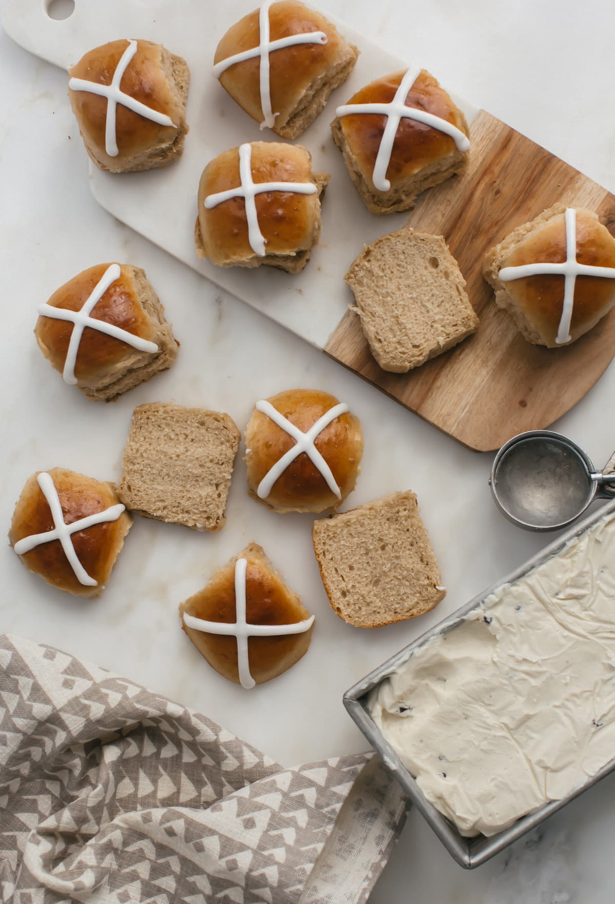 Hot Cross Ice Cream Sandwiches-3